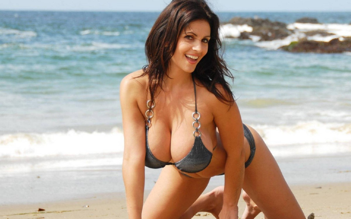 Denise Milani Boobs  High Definition Wallpapers-8177